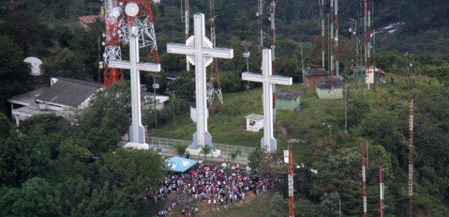 cerro-tres-cruces-cali-colombia[1]
